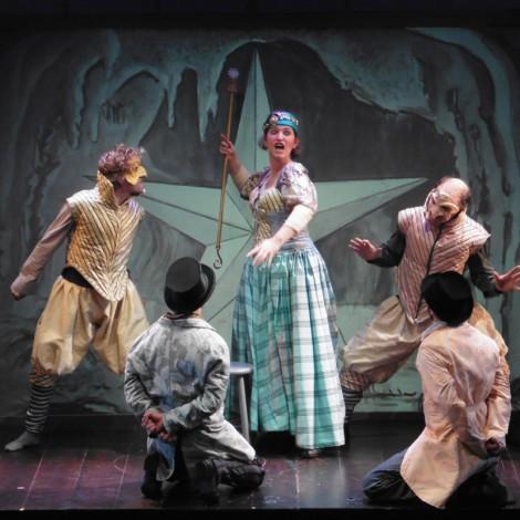 - Avant Première, <a style='display:inline' target='_blank' href=&quot;http://www.theatre.montauban.com/&quot; target=&quot;_blank&quot;>Théâtre Olympe de Gouges</a>, Montauban. Photo <a style='display:inline' target='_blank' href=&quot;https://www.linkedin.com/pub/sylvain-bernard/49/938/a89&quot; target=&quot;_blank&quot;>Sylvain BERNARD</a>.